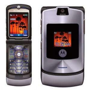 Motorola RAZR V3 300x300 أكثر الهواتف مبيعا على مر التاريخ