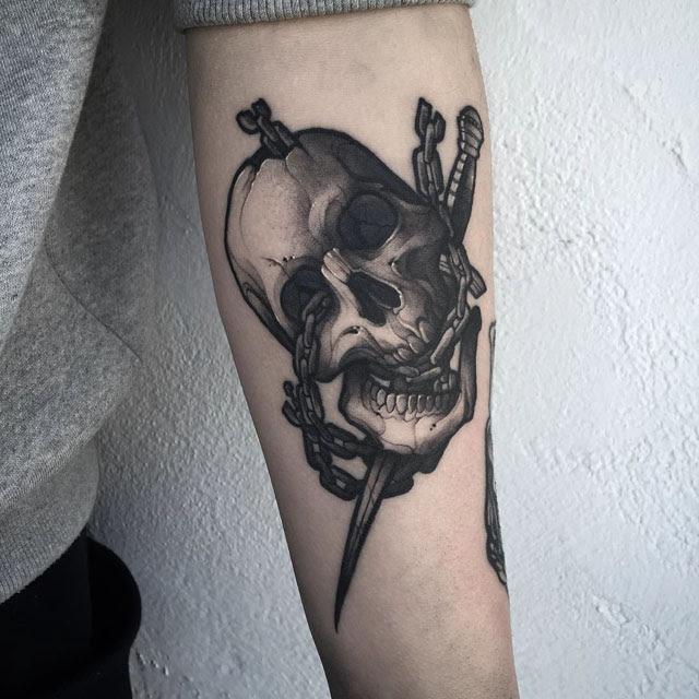 Skull With Chain Tattoo Best Tattoo Ideas Gallery