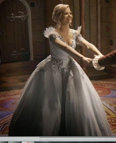 Confessions of a Seamstress: The Princess Emma Swan Dress