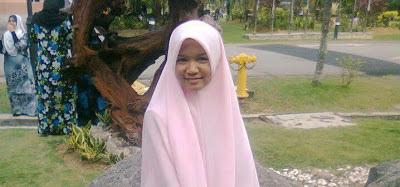 Kubur Allahyarhamah Siti Hajar wangi ketika digali dan liang lahadnya terang - Terbakor