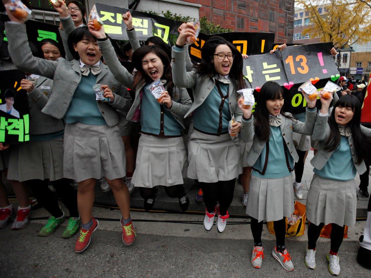 Como são os uniformes escolares em alguns países ao redor do mundo 08