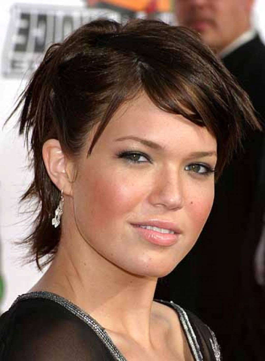 21 short hairstyle for round fat face