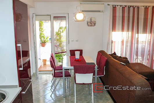 Croatia,Kastela - Comfortable two bedroom apartment, for sale