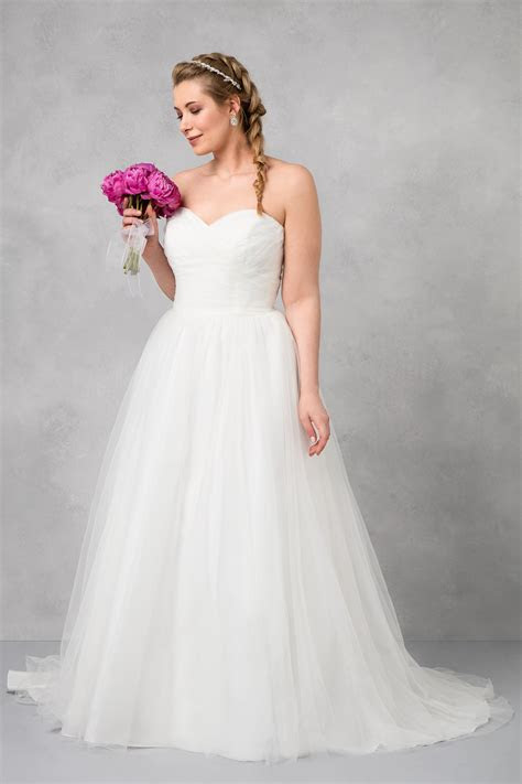 size strapless sweetheart tulle wedding dress wg
