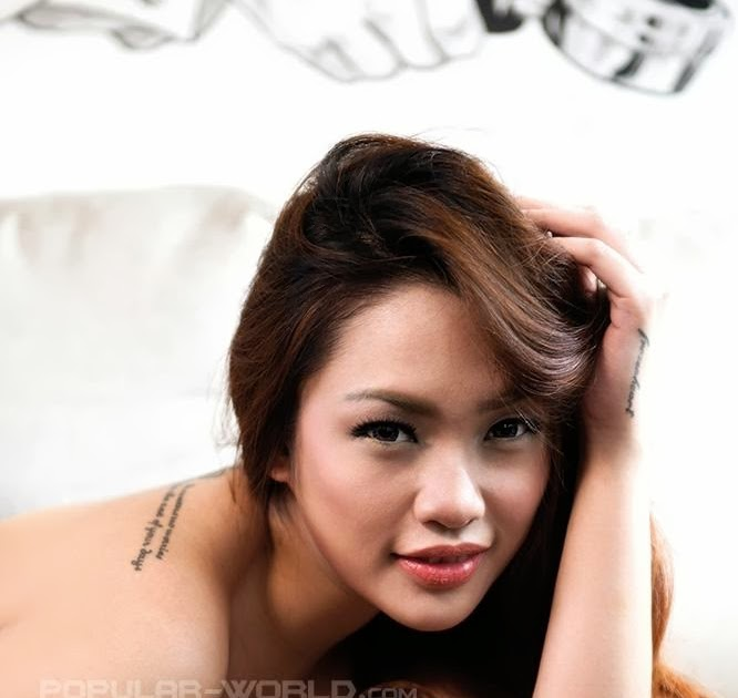kemolekan: Foto Seksi Tata Queenera FHM Model Magazine