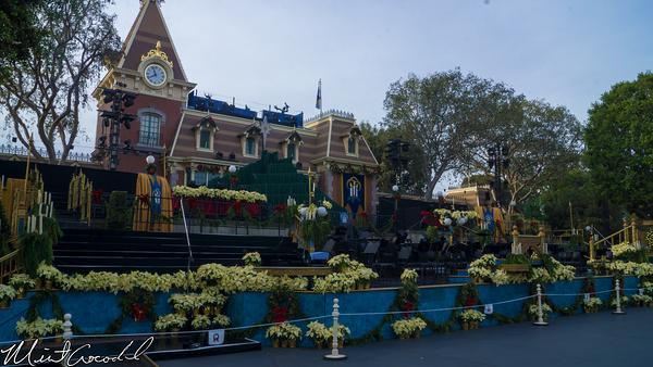Disneyland Resort, Disneyland, Main Street U.S.A., Christmas, Christmas Time, Candlelight