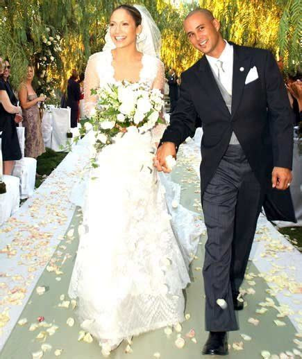 Jennifer Lopez   Celebrity Wedding Dresses   Real Simple