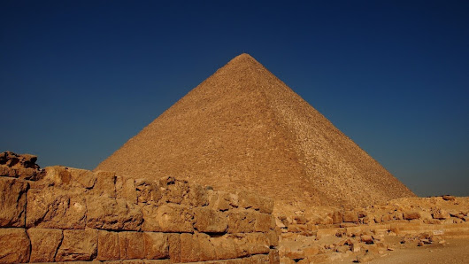 Mysterious Void Found Inside The Great Pyramid - Its A Strange World.