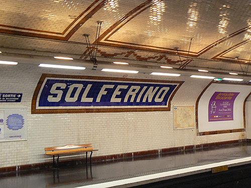 métro solférino.jpg