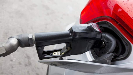 Car Myth or Fact: Should You Top Off Your Gas Tank? | Angie's List