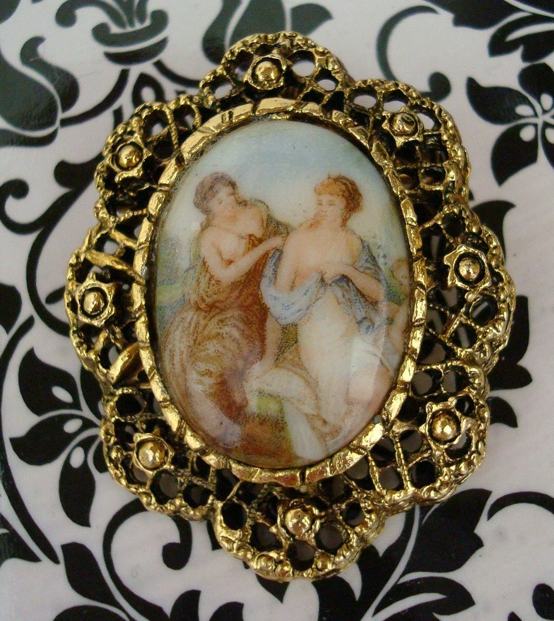 Stroud - English Vintage Brooch/Pendant