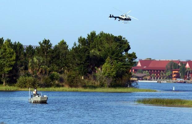 Criança foi arrastada no Seven Seas Lagoon, no hotel Disney's Grand Floridian Resort and Spa, em Lake Buena Vista (Foto: Red Huber/Orlando Sentinel/AP)