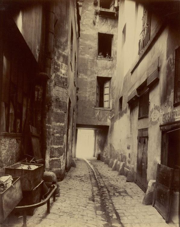 Atget Paris Coin rue de Seine 597x750 Le Paris de 1900 par Atget  photographie histoire art
