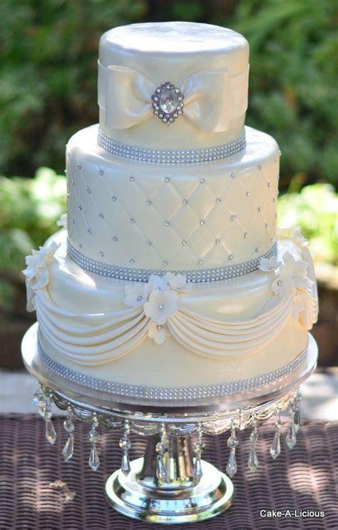 white wedding cake, diamond wedding cake, elegant wedding