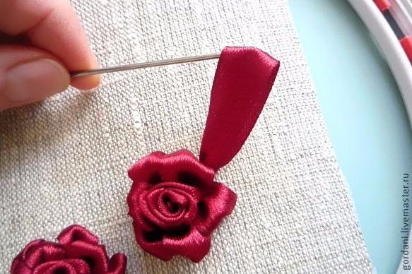 Rose flower.  ribbon embroidery (24) (583x388, 231Kb)