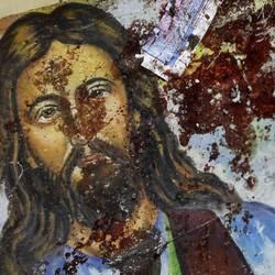 Egitto. Un'immagine di Cristo insanguinata dopo un attentato