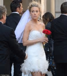 Kate Gosselin sports a wedding dress on the streets of New