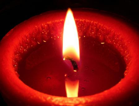 Ritual con vela roja del amor