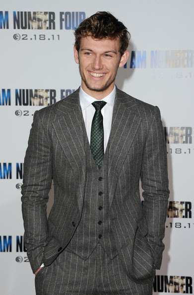 "Alex Pettyfer - Premiere Of DreamWorks Pictures' ""I Am Number Four"" - Arrivals"
