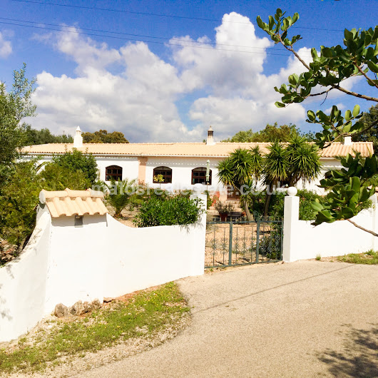 Traditional 5 Bed Quinta Near Loulé set on 2950sqm countryside plot.