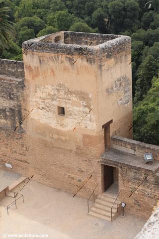 Torre de la Sultana desde la Torre de la Vela