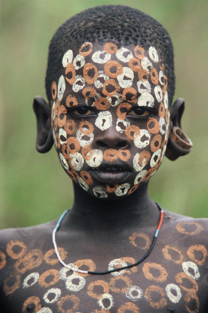 A beleza das Tribos Surma e Mursi, uma cultura em perigo, no sul de Etiópia 34