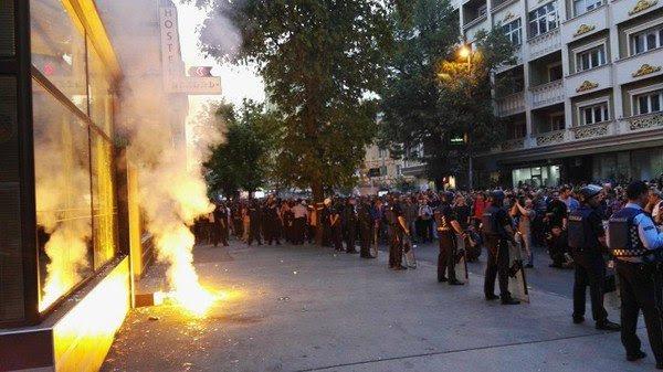 Macedonia, cambio di regime in corso. Che ci colpirà.