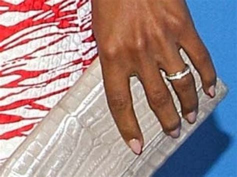Kerry Washington debuts her wedding ring