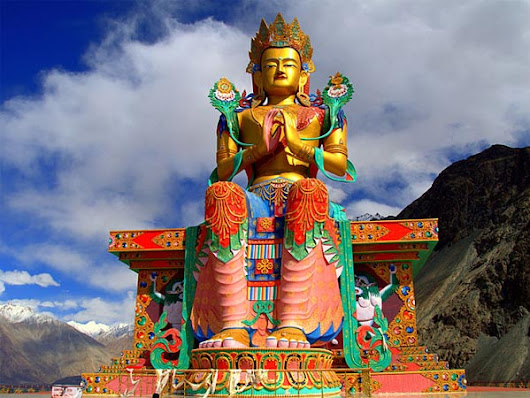 10 Phenomenal Buddhist Monasteries Of Ladakh That You Must Visit!