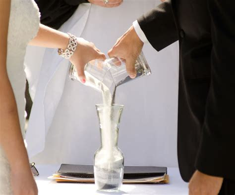 How to Plan a Wedding Sand Ceremony