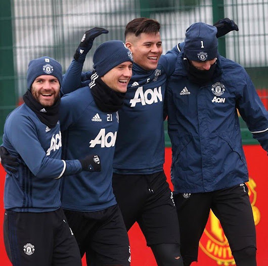"Ander Herrera on Twitter: ""A bit freezing but smiling ❄️⚽️ """