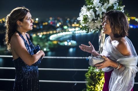Adriana Esteves e Glória Pires em cena de Babilônia (Foto: Estevam Avellar/TV Globo)