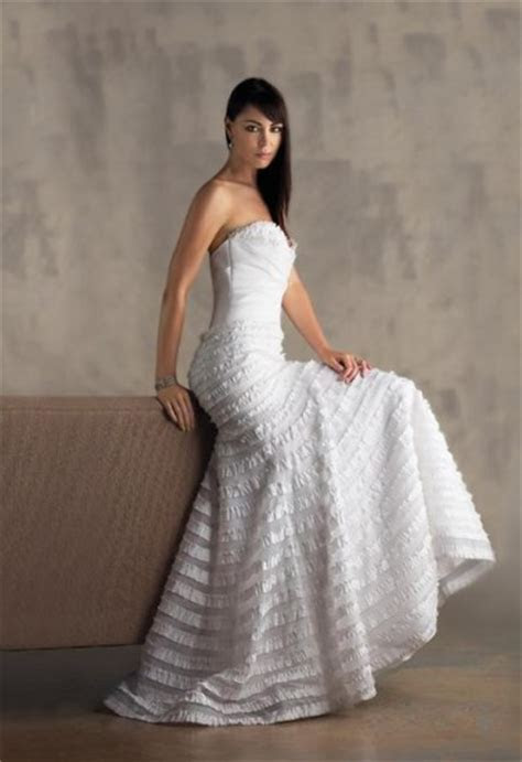 Average price for a wedding dress   All women dresses