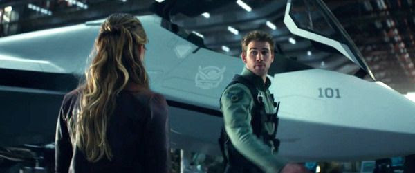 Patricia Whitmore bids farewell to Jake Morrison (Liam Hemsworth) as he prepares to fly off into battle in INDEPENDENCE DAY: RESURGENCE.