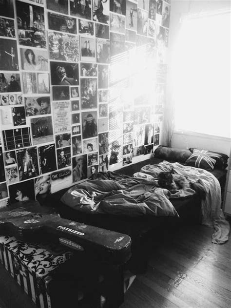 black-and-white-grunge-bedroom-decoration – HomeMydesign