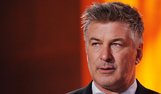 Watch Alec Baldwin host 'SNL' this weekend, then nab tickets to see him in Chicago this spring