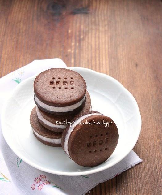 Una finestra di fronte biscotti al cacao farciti con mousse di fragole - Una finestra di fronte ...