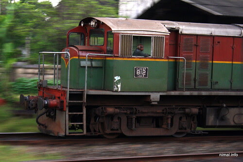 Sri Lankan Train Class M7 812 Load X
