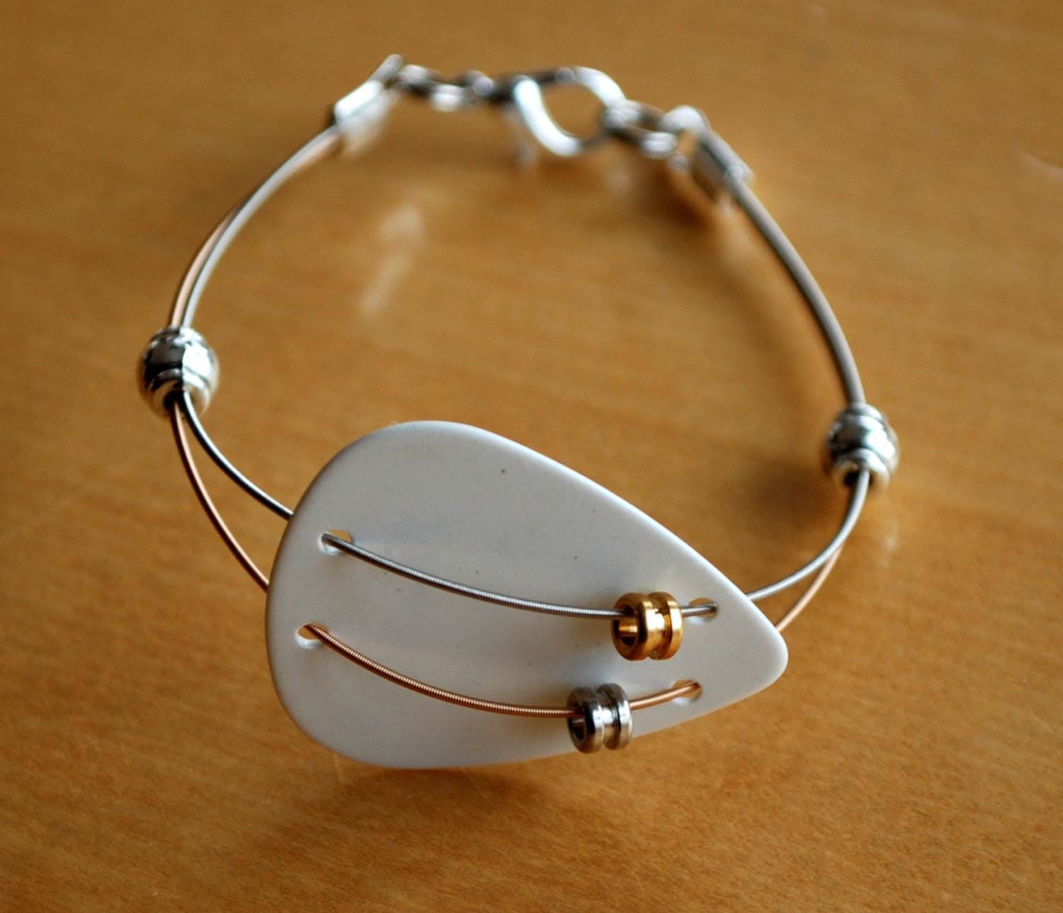 Guitar Pick and Guitar String Bracelet - Dual Thin Strings and Pewter Beads - Sarah - Saratude