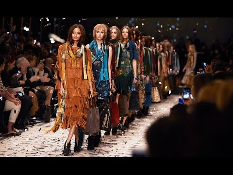The Highlights of the Burberry Womenswear Autumn/Winter 2015 Show
