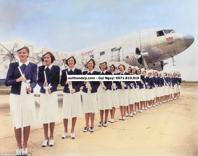 26 thg 7, 2016 - Sau hơn 8 thập kỷ, đồng phục nữ tiếp viên hàng không vẫn luôn giữ được nét trẻ trung và thanh lịch dưới bàn ta