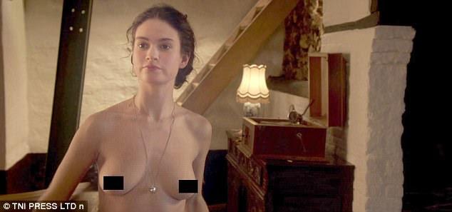 Consertel Telefonia Ela Está Longe De Downton Abbey Lily James Vai