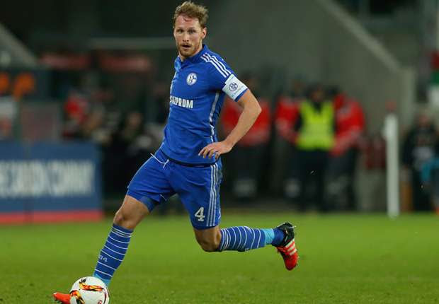Benedikt Höwedes could win in 2011 with Schalke 04 the DFB Cup and the Supercup