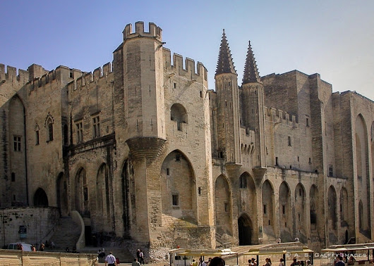 Avignon: a Papal City Without Popes
