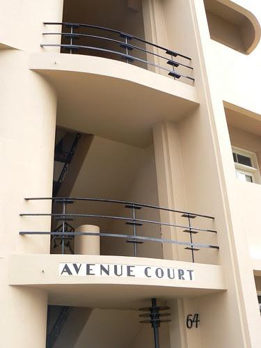 Avenue Court, Albert Park