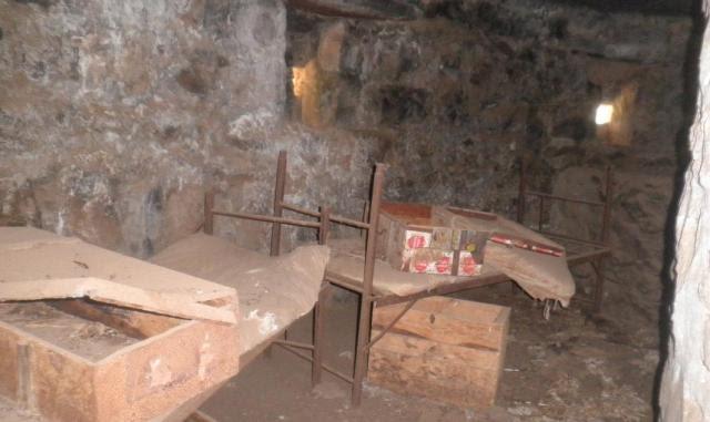 מוצב בורג' בביל. המיטות של החיילים הסוריים מסודרות כמעט כמו שהיו