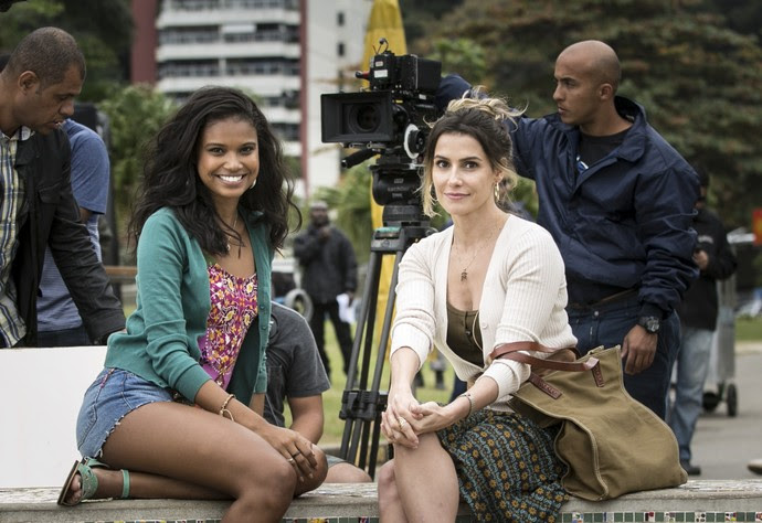 Deborah Secco grava primeiras cenas de 'Malhação - Pro Dia Nascer Feliz' com Aline Dias (Foto: Raphael Dias/Gshow)