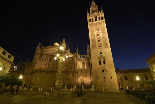 Iluminación nocturna de La Giralda - Sevilla