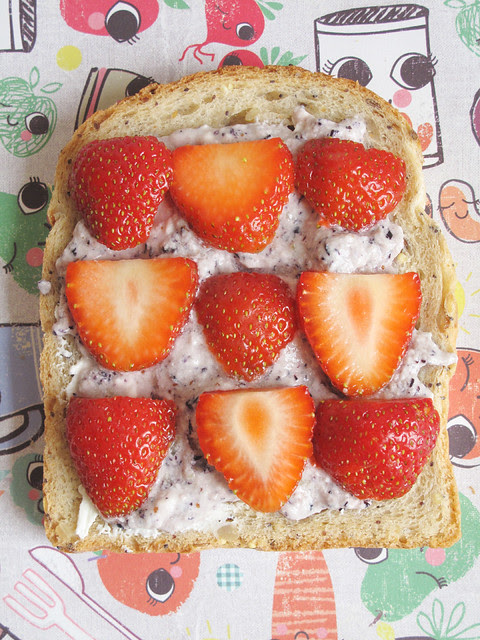 Blueberry cream cheese and strawberry slices