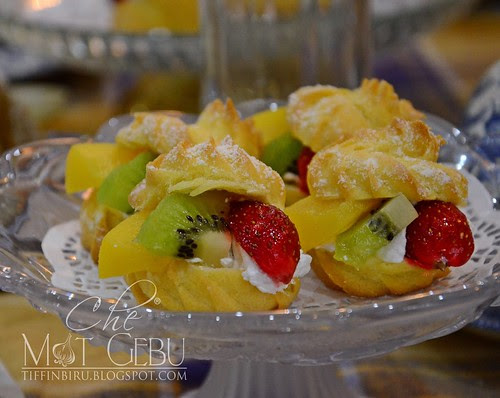 rsz_fresh_fruit_cream_puff